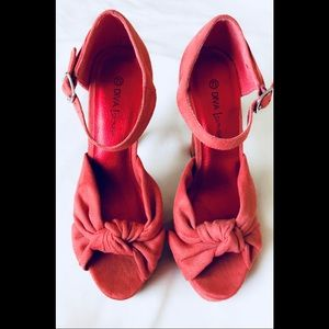 Shoes - 💕HP💕 Coral Pink Open Toe Heel
